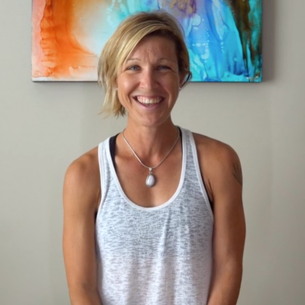 Jannelle Morrison is a yoga teacher and sports mentor.